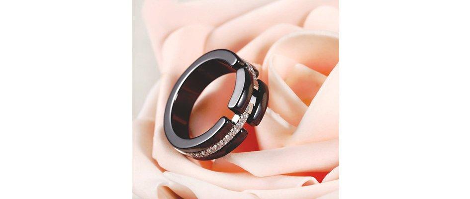 Женское кольцо из керамики