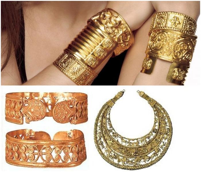 Золоті прикраси в історії жінок