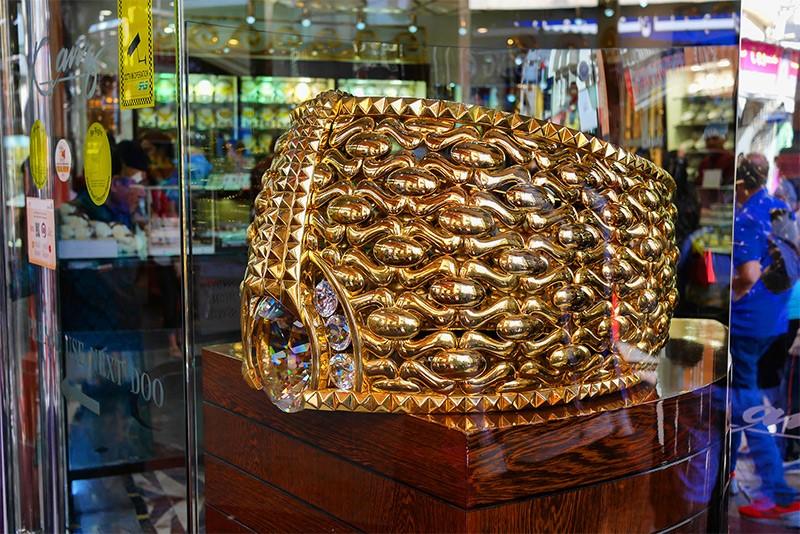 Самое большое кольцо из золота